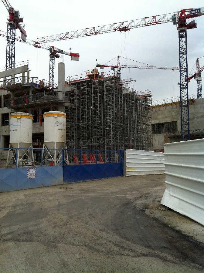 chantier_sfr_campus_etaiement_grande_hauteur_des_portes_a_faux_realise_au_sein_de_la_societe_haki_en_tant_que_technicien_be_light