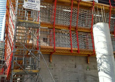 accès chantier sur coffrage grimpant – Tour Majunga