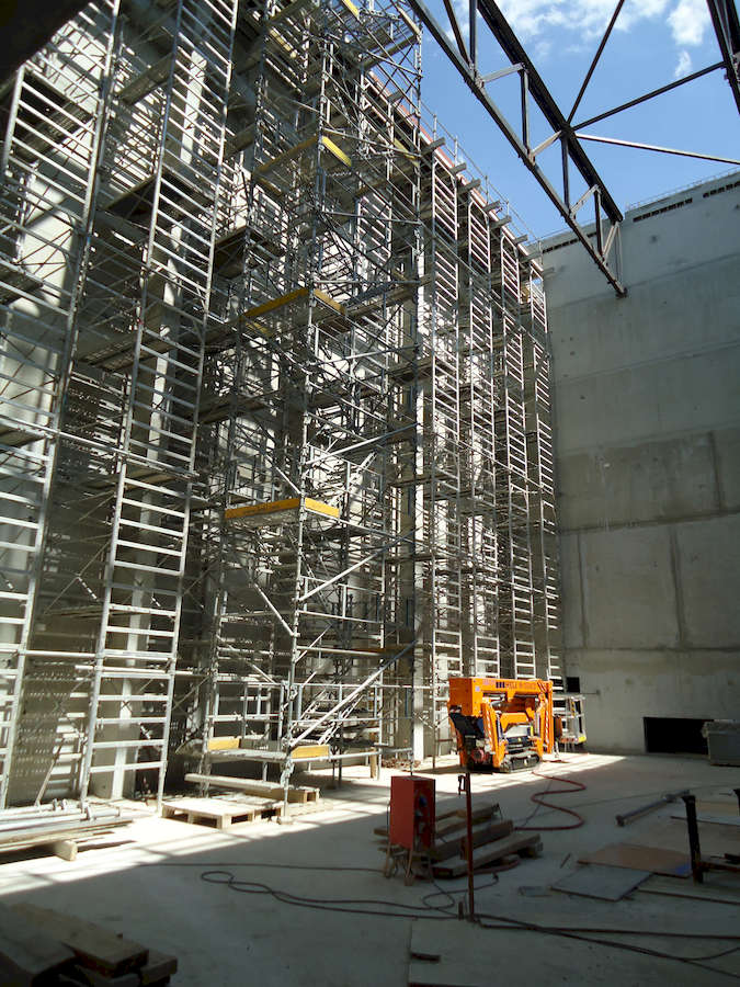 chantier_centre_culturel_et_de_congres_de_montrouge_etaiement_cage_de_scene_light