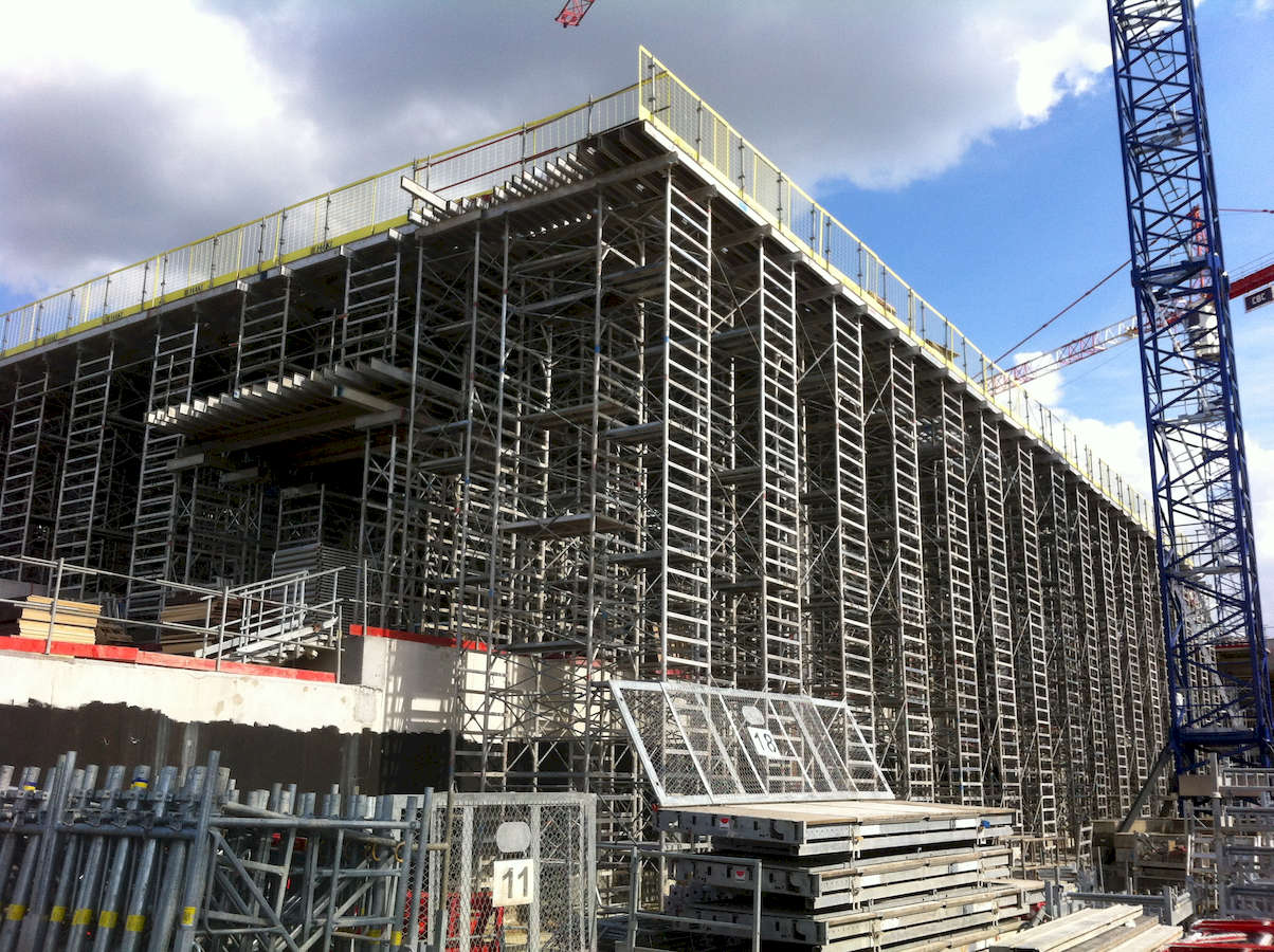 chantier_lycee_a_section_international_vue_facade_sud_et_passe_charretiere_light